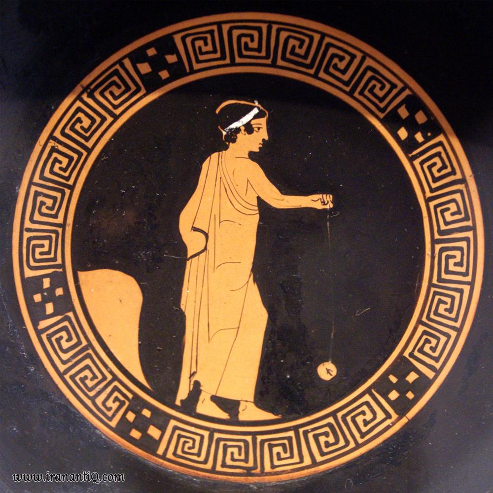 پسری در حال بازی با یویو ، نقاشی شده بر روی گلدانی یونانی که از 500 سال ق.م به جای مانده است