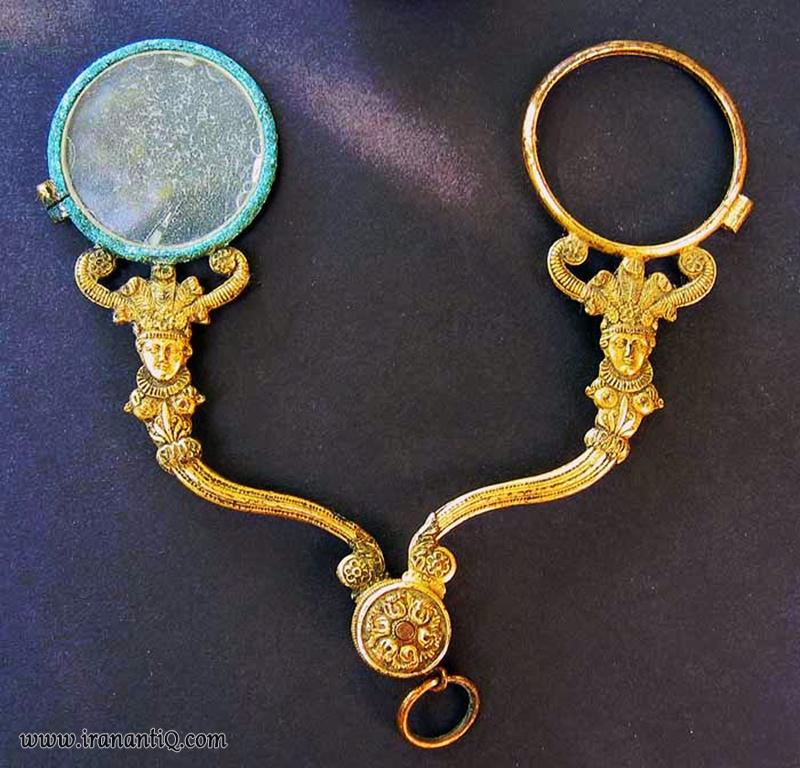 عینکی طلا کاری شده مربوط به امپراطوری فرانسه ، 1805 میلادی