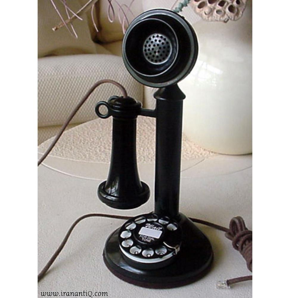 تلفن پایه شمعدانی که از اواخر دهه 1890 تا 1940میلادی رایج بود