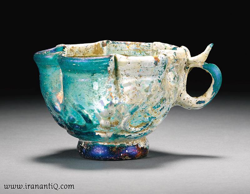 جام رنگین شیشه ای ، قرن 11 الی 12 میلادی ، دوره سلجوقی