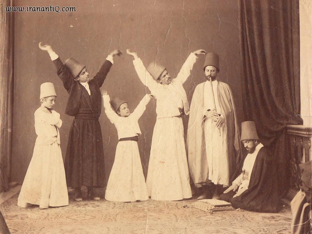 عکس قدیمی از نی نوازی و رقص سماع مردان ترک ، مربوط به سال های 1860-1880 میلادی ، استانبول ، ترکیه