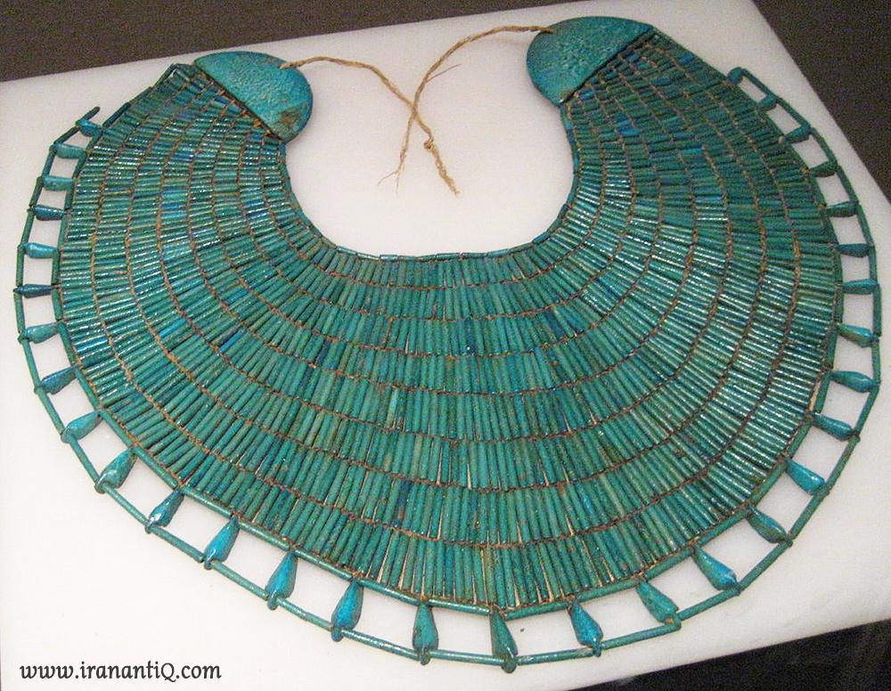 گردنبند طوق مانند کولاری ، مربوط به دودمان دوازدهم مصر