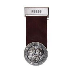 مدال آویز یادبود مسابقات جهانی کشتی تهران 1352 - MS61 - محمد رضا شاه