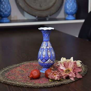گلدان میناکاری طرح اسلیمی و ختایی - 15 سانتی در چیدمان